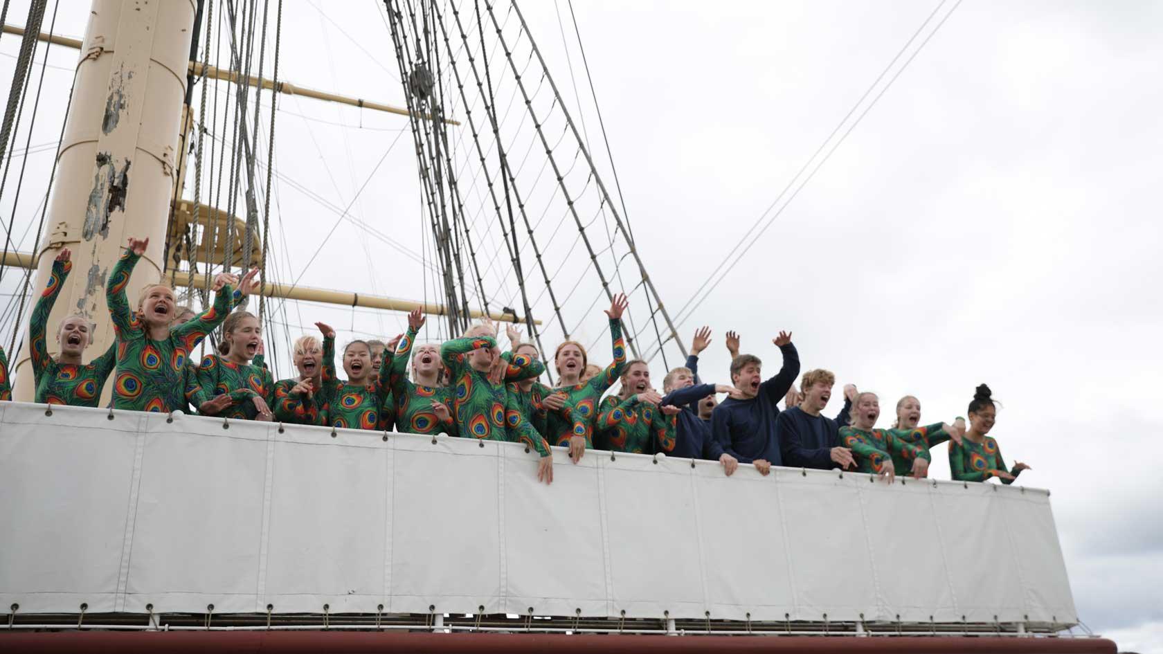elever på Vejstrup laver bølge på Fregatten Jylland