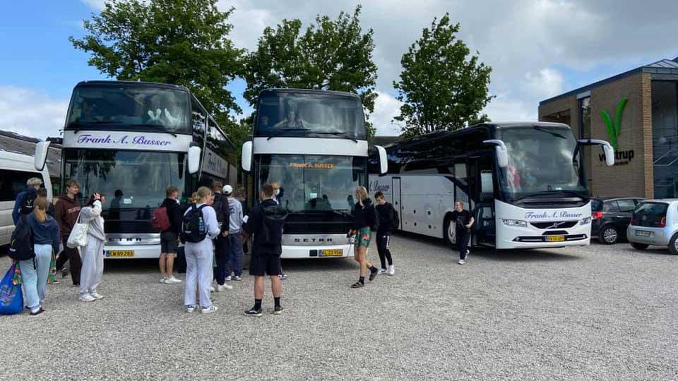Weekendbussen henter elever på Vejstrup